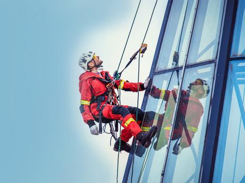 Охрана труда при работе на высоте: требования, правила и подготовка специалистов