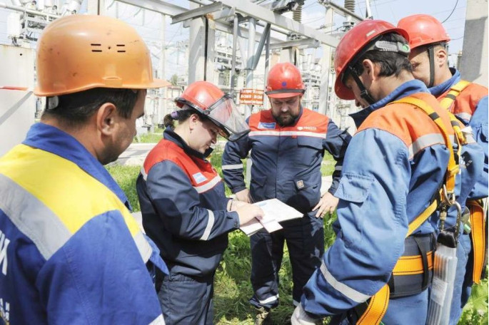 За проведение вводного инструктажа персональная ответственность возложена на специалиста по охране труда