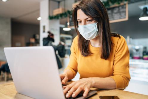 Пандемия COVID-19 вносит корректировки в режим работы сотрудников