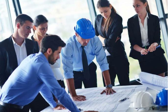 Комиссия, которая разрабатывает и подготавливает перечень рабочих мест для спецоценки, формируется непосредственно на предприятии.